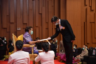 นายกสมาคมฯ รับพระราชทานรางวัลชมเชย จากการประกวดร้านค้างานกาชาดออนไลน์ ประจำปี 2563